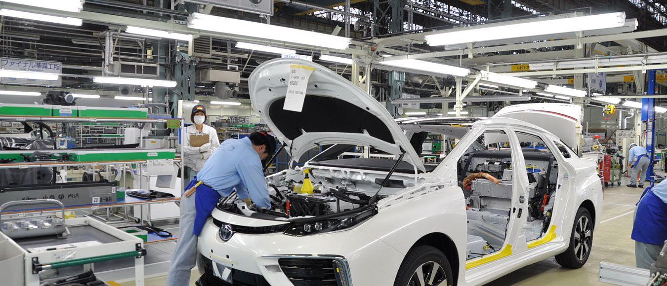Interior de montadora de carros no Japão