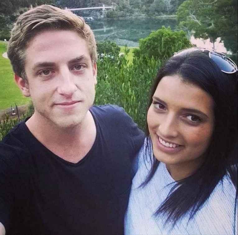 Matthew Ashton-Peter e companheira