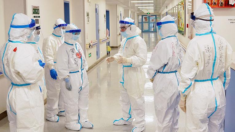 Equipe médica em meio a pandemia de coronavírus