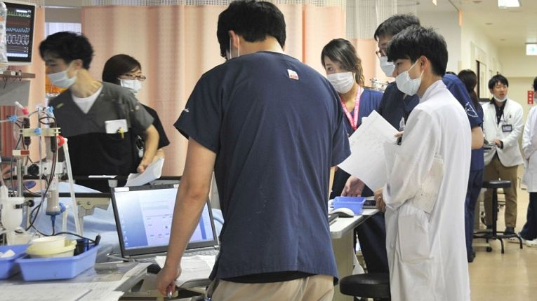 Sistema de saúde japonês pressionado pela COVID-19
