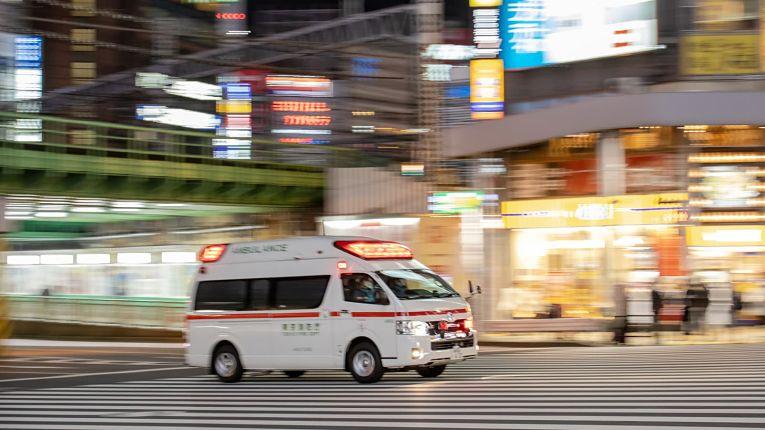 Sistema de saúde do Japão se encontra pressionado com novos casos de COVID-19
