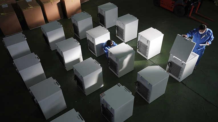 Freezers produzidos para atender a demanda de imunizantes
