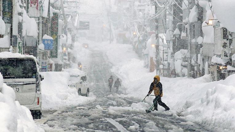 Tempestade de neve em Yuzawa, prefeitura de Niigata
