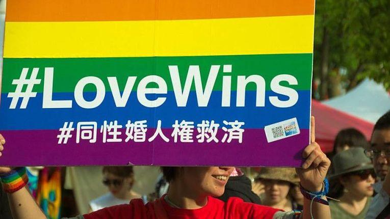 App desenvolvido pela Famiee Project fornece certidões de união estável a casais LGBTQIA+