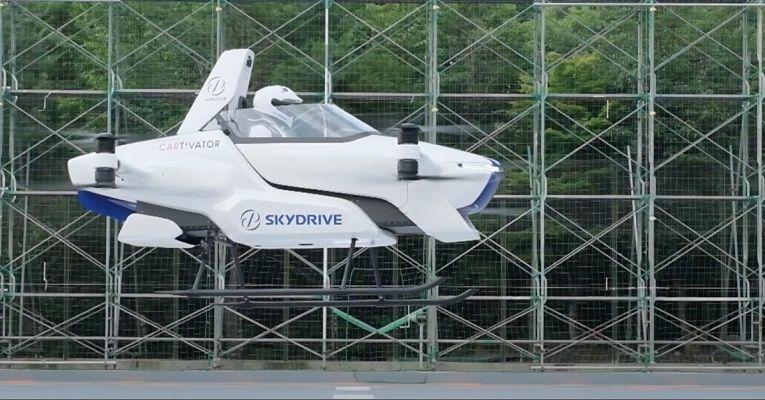 Startup SkyDrive Inc. realiza teste inédito de carro voador com tripulante em agosto de 2020