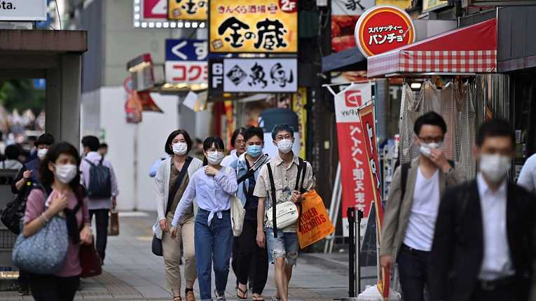 Japão ainda testa pouco para a COVID-19 entre as maiores economias do mundo, mas está mantendo baixos níveis de contaminação