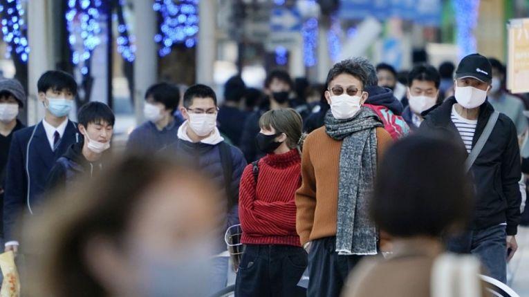 Japão começou a vacinar seus profissionais de saúde, mas ainda não há previsão para imunizar a população geral