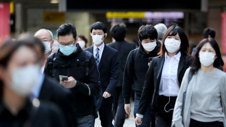 Japão mantém média móvel de contaminação baixa apesar da baixa testagem realizada pelo país