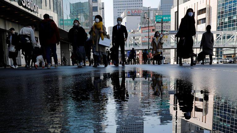 Os casos de COVID-19 no Japão mantém níveis baixos, mas o sistema de saúde do país segue pressionado