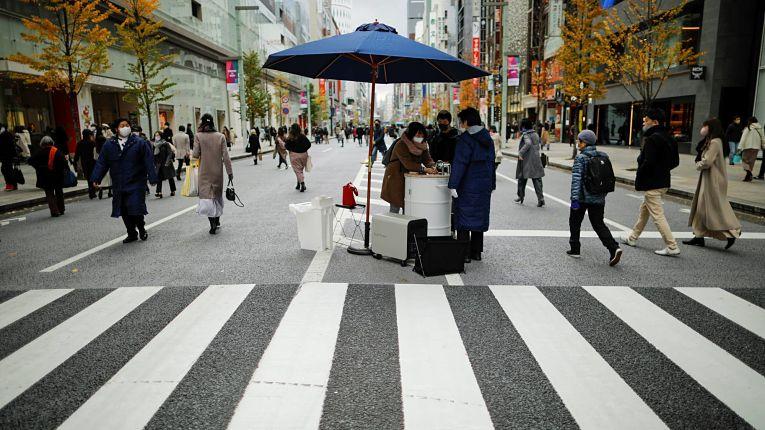 As prefeituras de Osaka, Kyoto, Hyogo, Aichi, Gifu e Fukuoka saíram do estado de emergência nesse domingo. Tokyo, Kanagawa, Chiba e Saitama sairão no dia 7 de março. Foto por Issei Kato
