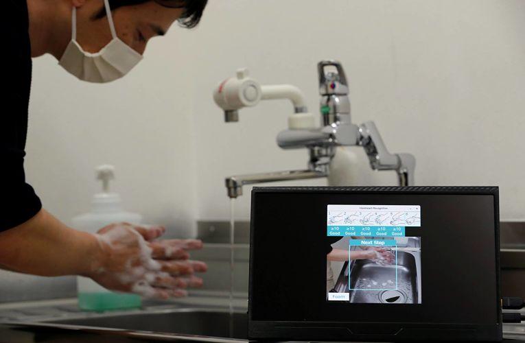Estudo apontou que apenas 21% dos japoneses lavam a mão de maneira satisfatória em meio a pandemia do novo coronavírus SARS-CoV-2