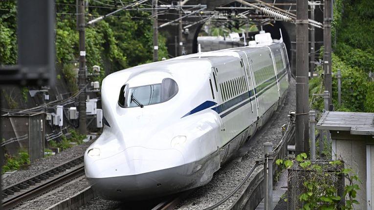 JR East retoma operação de shinkansen com 80% da capacidade e velocidade reduzida