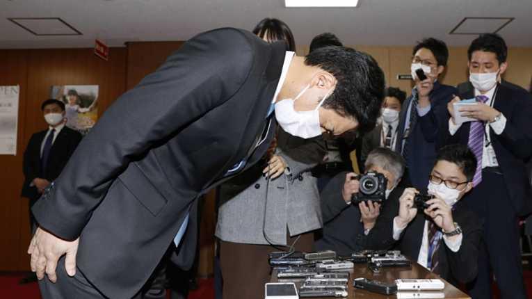 Coletiva de imprensa para a renúncia de Takaki Shirasuka na quarta-feira (17)