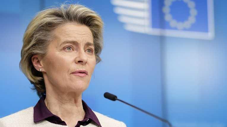 Europa poderá barrar exportação de imunizantes