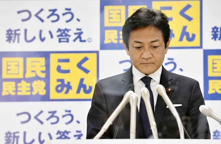 Líder do partido de oposição DPP Yuichiro Tamaki defende que governo central forneça autotestes para toda a população japonesa e estrangeiros residentes no país
