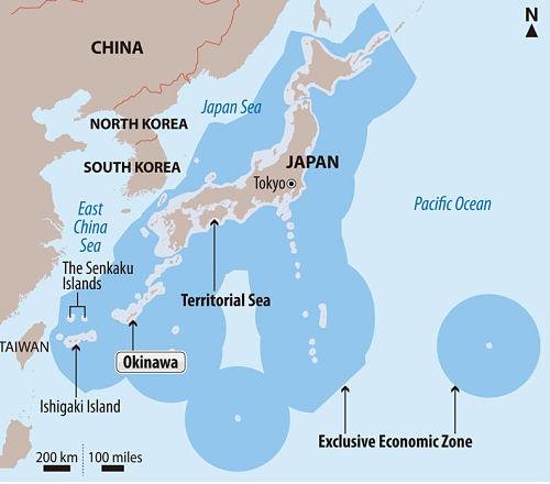 Zona Exclusiva Econômica do Japão em azul escuro (incluindo as regiões disputadas com a China)