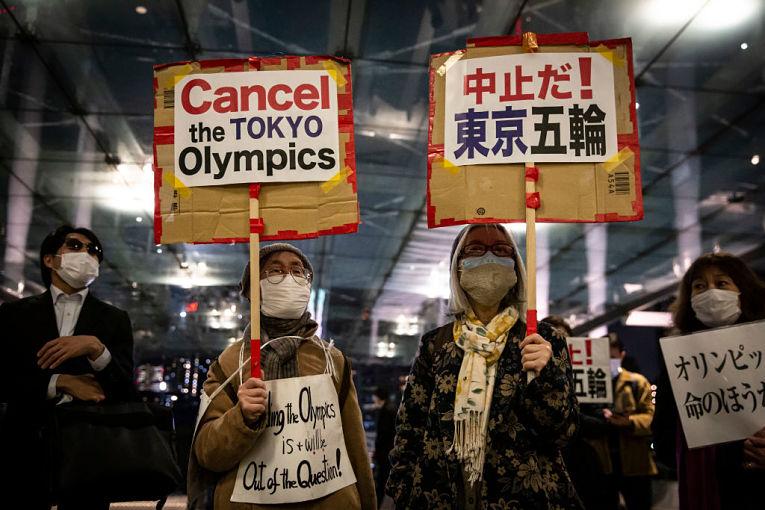Pela primeira vez desde 16 de janeiro de 2021 que o Japão ultrapassa a marca dos 7 mil contaminados pelo SARS-CoV-2. A prefeitura de Tokyo também tem seu pior nível desde 22 de janeiro de 2021. Foto por Yuichi Yamazaki