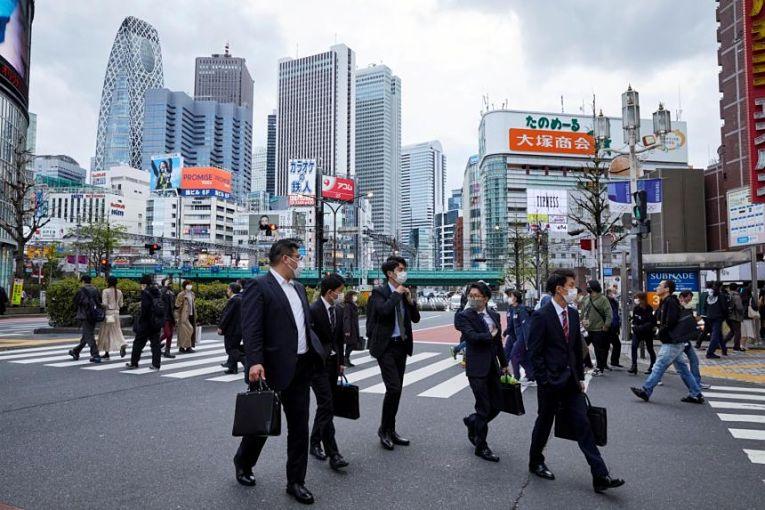 Pela primeira vez desde o início da pandemia, Hokkaido lidera em números de contaminados pelos SARS-CoV-2 entre as 47 prefeituras. A prefeitura vem assistindo ao aumento da contaminação nos últimos dias embora ainda não tenha atingido a marca de mil contaminações diárias
