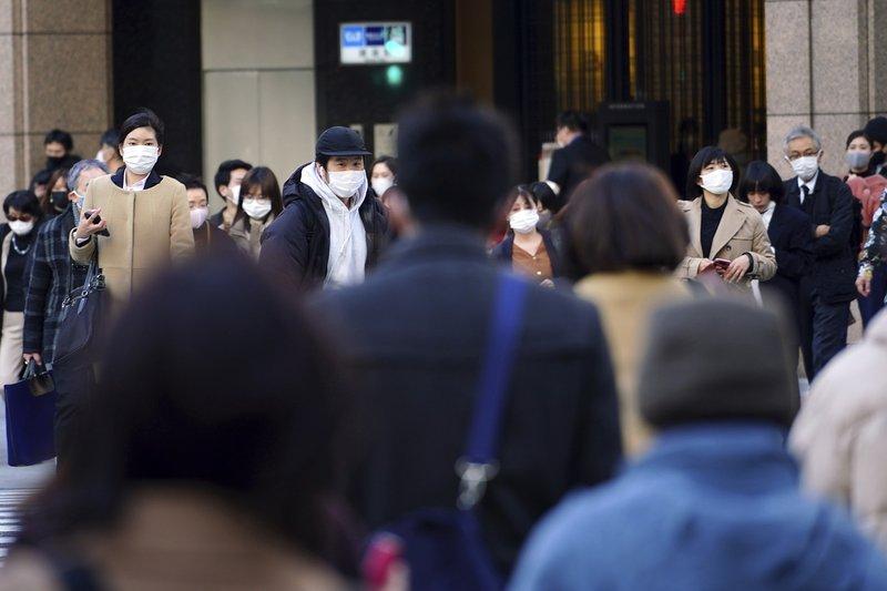 Estado de emergência prolongado no Japão até fim de maio e epicentros surgem em escolas e reuniões de trabalho