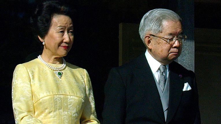 O irmão mais novo do Imperador Emérito Nartuhito, o Príncipe Masahito de 85 anos com sua esposa, a Princesa Hitachi (Hanako)
