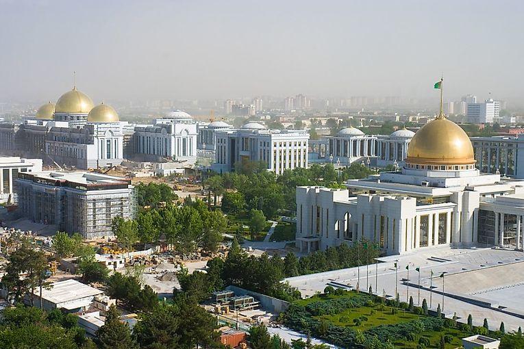 1°. Ashgabat - Turcomenistão