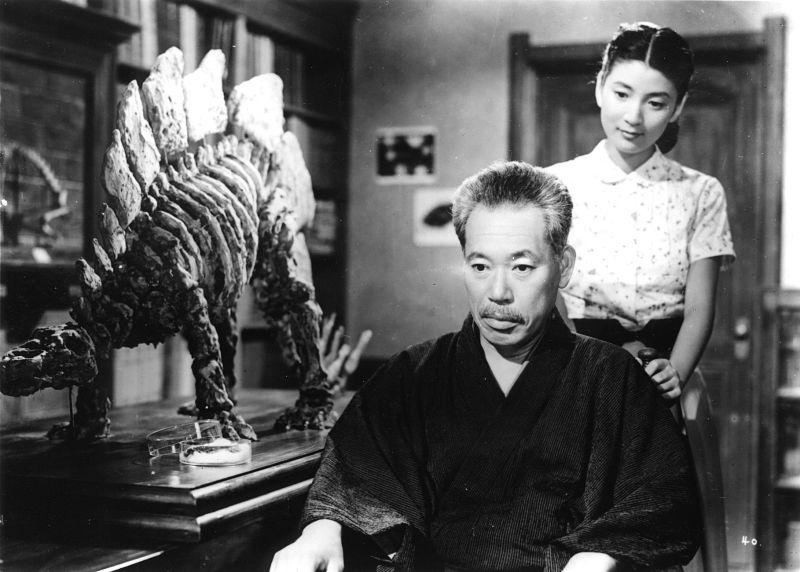 Dr.Yamane e sua filha Emiko em cena do filme Gojira 1954