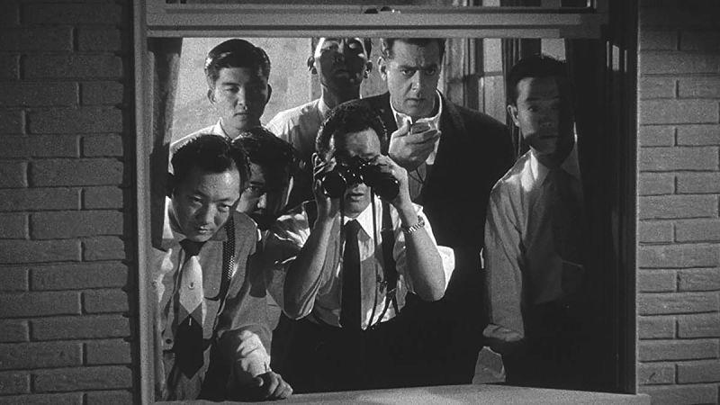 Cena do filme Godzilla Rei dos Monstros 1956