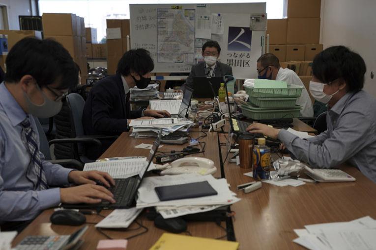 O Japão registrou aumento no desemprego e queda na oferta de trabalho em maio, o pior resultado dos últimos 5 meses. Foto por Eugene Hoshiko