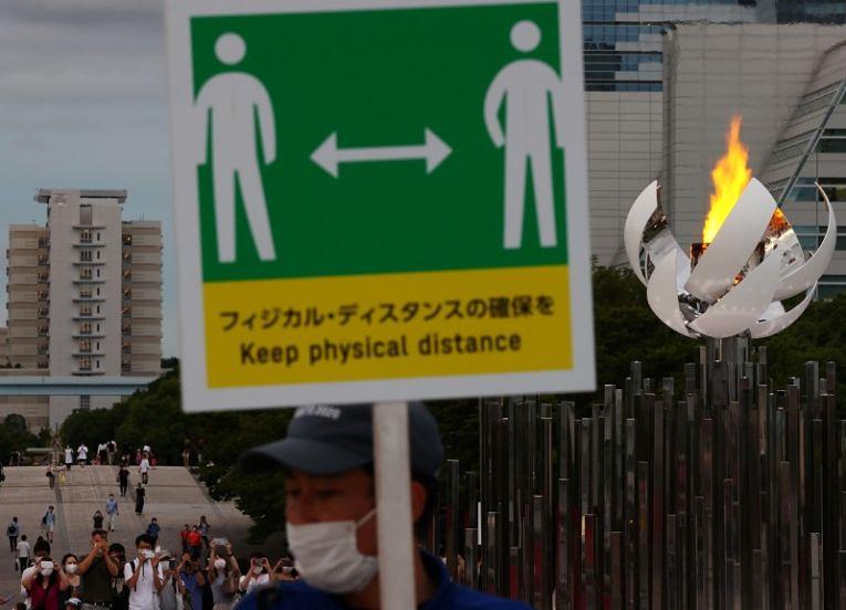 Com um alto volume de internações diárias, já está sendo questionada a resiliência do sistema de saúde japonês para uma nova onda de infecções. Foto por Kim Kyung-Hoon/Reuters