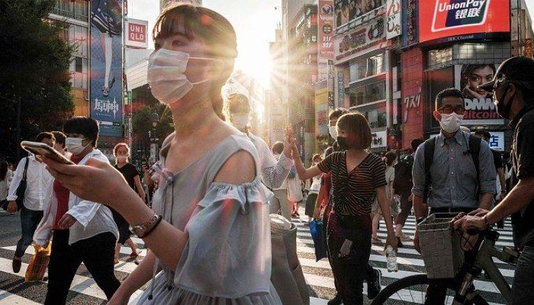 Mais 22 pessoas ligadas aos Jogos Olímpicos de Tokyo se contaminaram com o SARS-CoV-2 Neste sábado. Com isso, o total cumulativo desde 1° de julho é de 404 infecções
