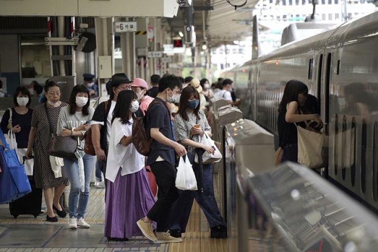 O Japão segue enfrentando forte pressão em seu sistema de saúde. A maioria dos internados apresentam caso moderado, mas mesmo assim precisando de oxigênio